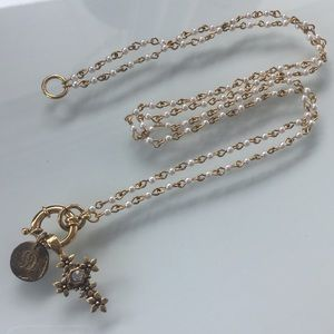 Jewelry - NECKLACE Beautiful gold and pearl statement piece